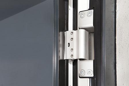 verdeckt liegende Haustürbänder