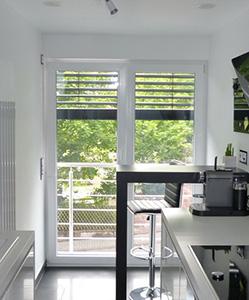 Balkontür Schüco SI82 mit Aufsatzraffstore