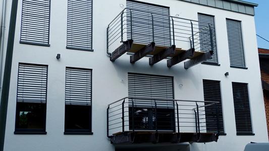Fenster Schüco SI82 mit Aufsatzraffstore